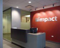 A importância do letreiro na recepção das empresas