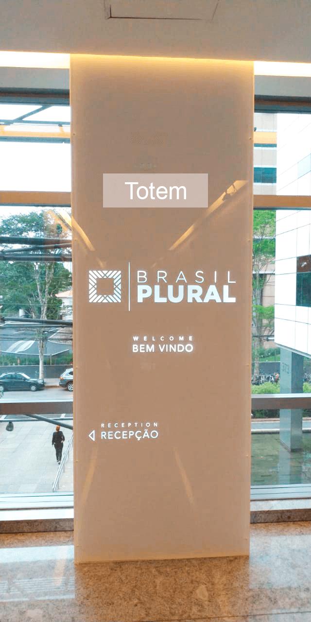 totem brasil plural 01
